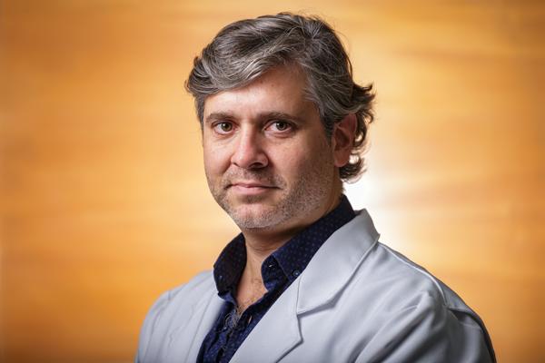 Dr. Gabriel García-Huidobro